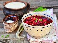 Приготвяне на рецепта Рибна борш чорба с бяла риба, гъби печурки, грах и цвекло
